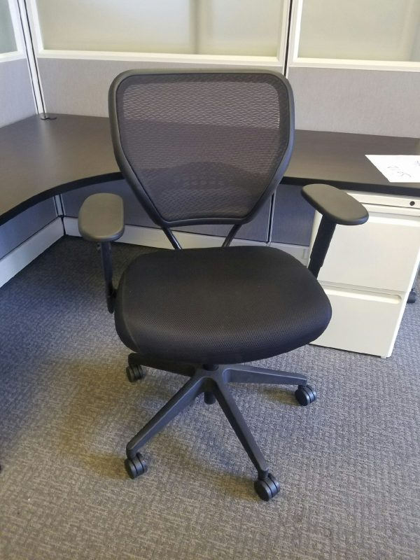 Used 5500 Professional M-Flo Back Managers Chairs