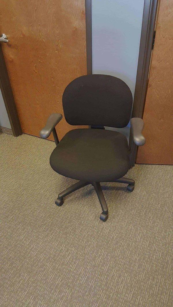 Used Black on Black Knoll Parachute Task Chairs