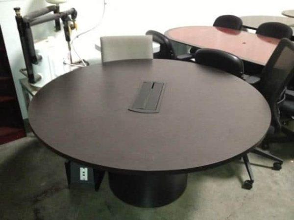 Round-Table-With-Power-COG-5-Round-ESP