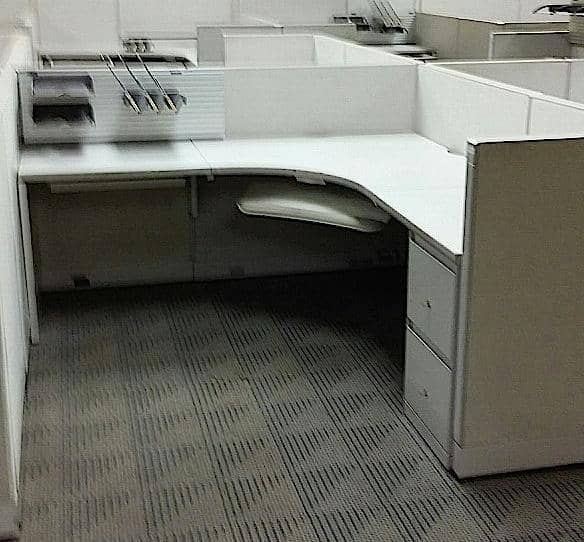 Used Steelcase Enhanced 9000 Cubicles 1