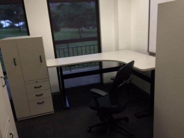 Used Steelcase Kick 5x6 Freestanding Hydraulic Desks