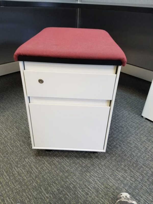 Used Steelcase BF Mobile Pedestals w/ Seat Top Cushion Color: White