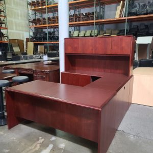National U Shape Desk with Hutch