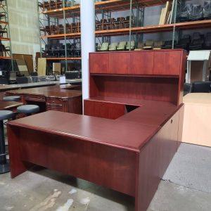 National U Shape Desk with Hutch